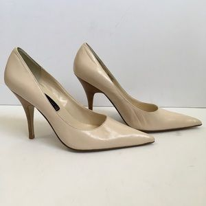 STEVEN by Steve Madden Cream Heel W/ Wood Heel